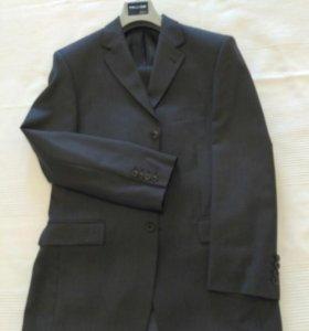 Мужские пиджаки и костюмы - купить классический пиджак или свадебный ... 84292dac50b