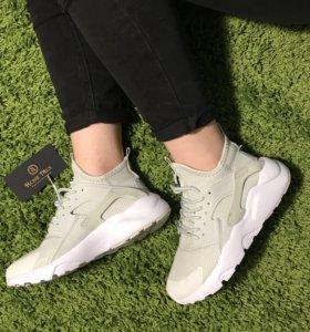 Кроссовки женские Nike, новые. Разные размеры!