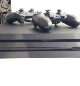 PlayStation 4 Pro 1Tb + 11 игр (Торг)