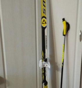 лыжный комплект(лыжи+палки+ботинки)
