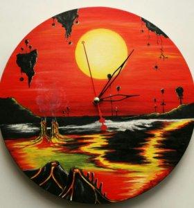 """Часы - """"Планета вулканов""""."""