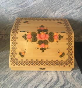 Хлебница деревянная новая
