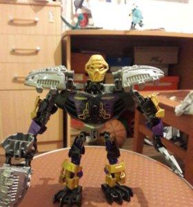 Фигурка Lego бионикл.