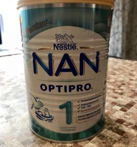 Сухая детская смесь Nan 1 optipro