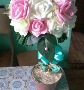Топиарий из роз .