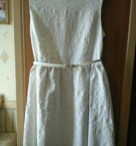 Платье нарядное, р-р 46