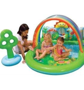 Игровой центр-бассейн