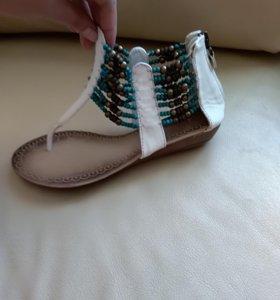 Босоножки сандалии белые 39 размер