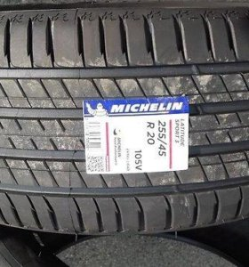 Michelin Latitude Sport 3 255/45 R20 и 285/40 R20