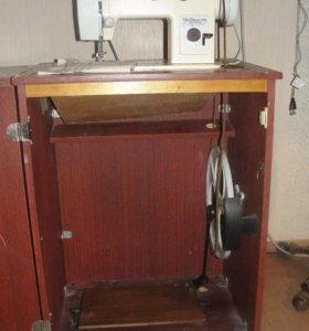 Швейная машина тумба с ножным приводом