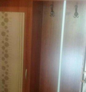 Продам шкаф в коридор