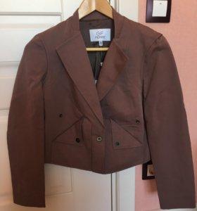 новый пиджак Ferre 42 размер