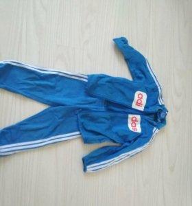 Спортивный костюм adidas 98-104.оригинал