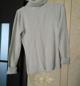 Белый свитер/водолазка