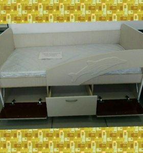 Кровать детская, с матрасом. Новая