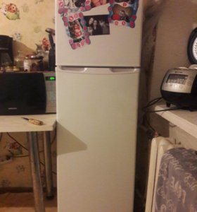 Продам холодильник hisense