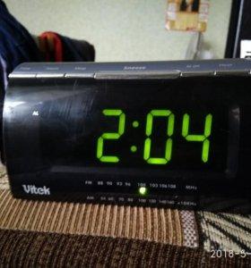 Часы,радио VITEK