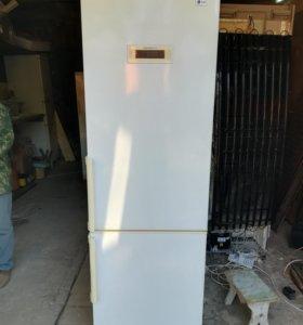 Холодильник двух камерный LG