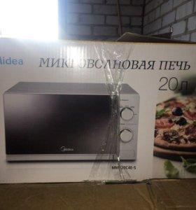 Микроволновая печь в хорошем состоянии