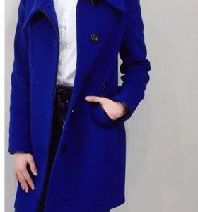 Пальто шерстяное демисезонное