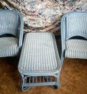 Кресла 2 шт.и стол