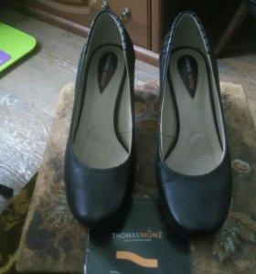 Новые кожаные туфли чёрные фирмы THOMASMUNZ