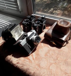 Три фотоаппрата Зенит