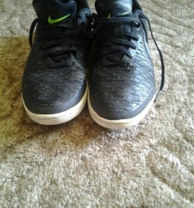 Футзальные бутсы Nike Magista X