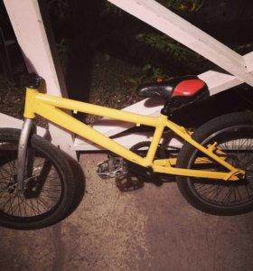 Трюковый велосипед BMX