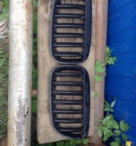 Продам решетки радиатора на BMW X5 Е53