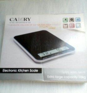 Электронные новые весы для продуктов.