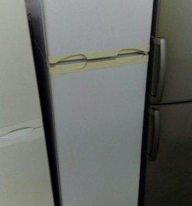 Саратов. Холодильник Рабочий двухкамерный