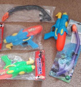 Водные пистолеты и сачки