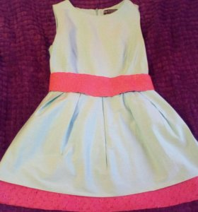 Короткое летнее платье.