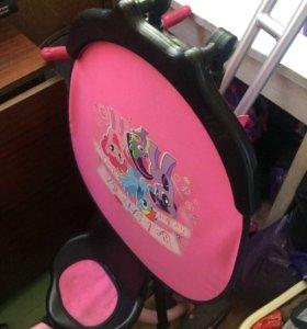 Велосипед розовый для девочек трёхколесный