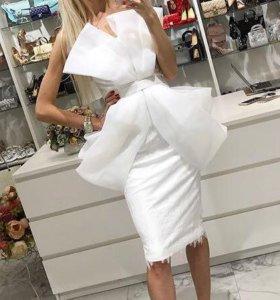 Эффектное платье на выпускной