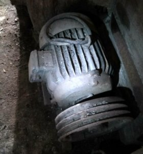Электро двигатель, 10 КВт,1000 об/мин,с шкивом.