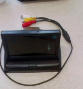 автомобильный монитор со звуко и камерой заднего в