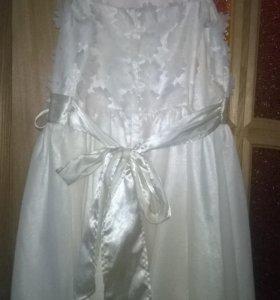 Платье нарядное на 10-14 лет