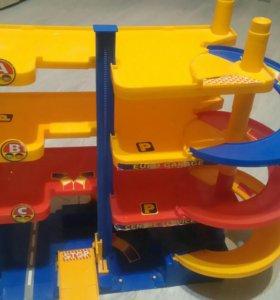 Гараж для игрушечных машин