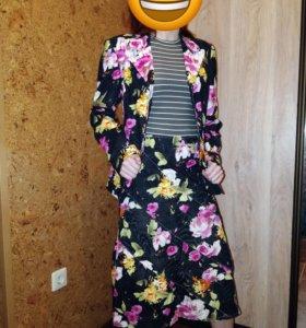 Джинсовый костюм 44р