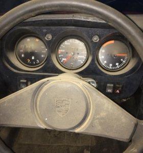 Porsche 944, 1985