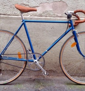 чешский кастомный велосипед на раме KoloFavorit F1