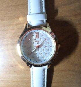 Часы наручные женские. Новые