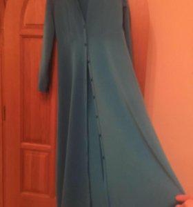Шикарное платье , новое 48