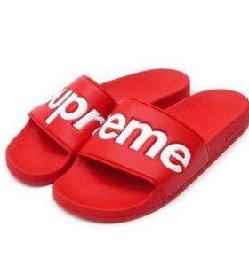Тапочки Supreme
