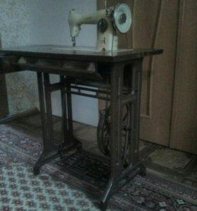 Машинка швейная Tikka, 1953 г.
