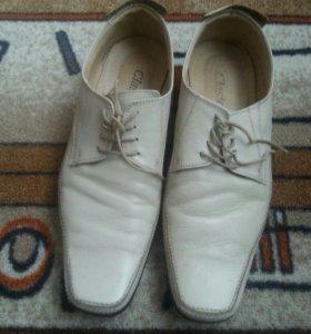 Туфли кожанные ,молочный цвет.