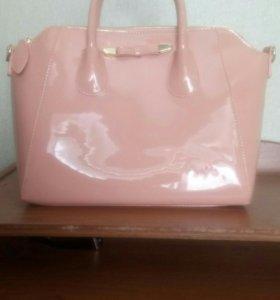 Лаковая сумка
