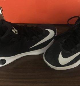 Баскетбольные кроссовки. Nike zoom.